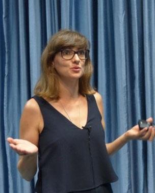 Dr Stephi Hirmer